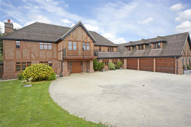 Guide Price £2,495,000, 6 Bedroom Detached House For Sale in Epsom, KT18