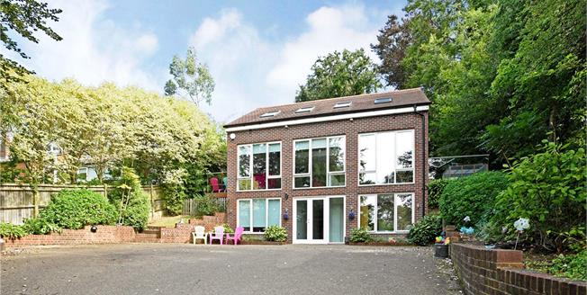 Guide Price £1,035,000, 5 Bedroom Detached House For Sale in Chipstead, CR5