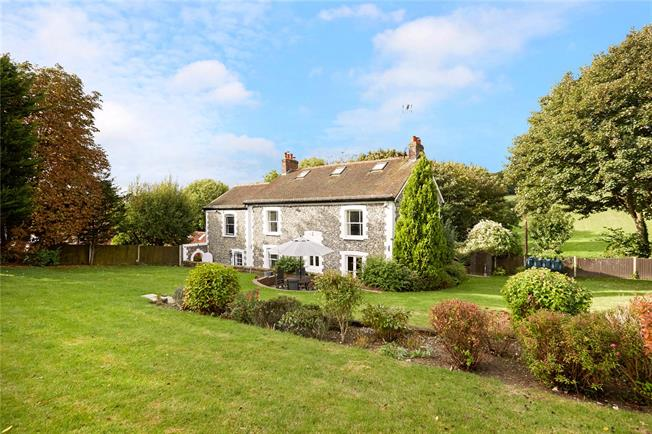 Asking Price £1,095,000, 5 Bedroom Detached House For Sale in Banstead, SM7