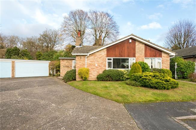 Guide Price £675,000, 3 Bedroom Bungalow For Sale in Surrey, KT17