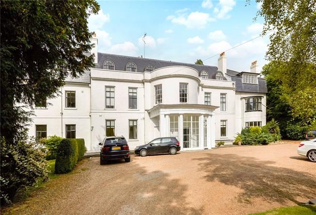 Asking Price £550,000, 3 Bedroom Flat For Sale in Epsom, KT17
