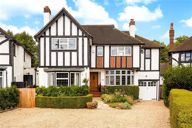 Asking Price £1,400,000, 4 Bedroom Detached House For Sale in Epsom, KT18