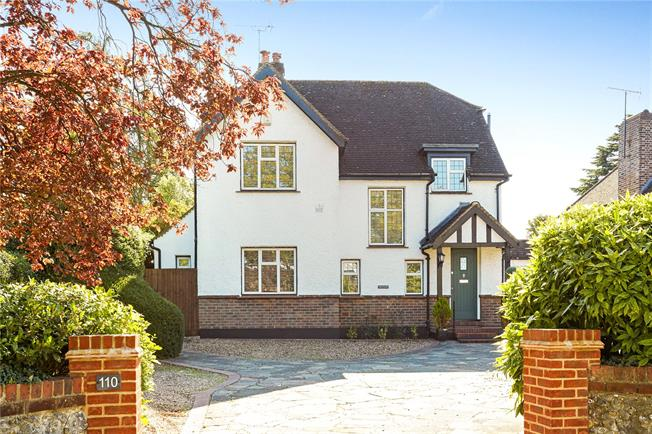 Asking Price £925,000, 4 Bedroom Detached House For Sale in Banstead, SM7