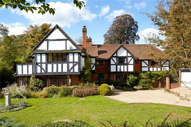 Guide Price £1,900,000, 5 Bedroom Detached House For Sale in Surrey, KT22