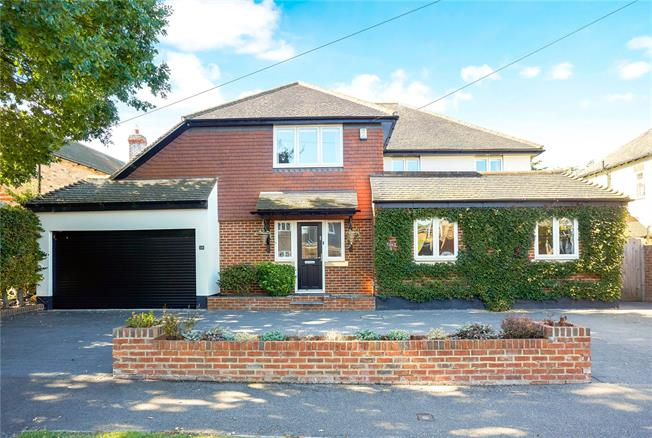 Asking Price £1,400,000, 5 Bedroom Detached House For Sale in Ashtead, KT21