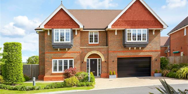 Asking Price £1,500,000, 5 Bedroom Detached House For Sale in Surrey, KT17