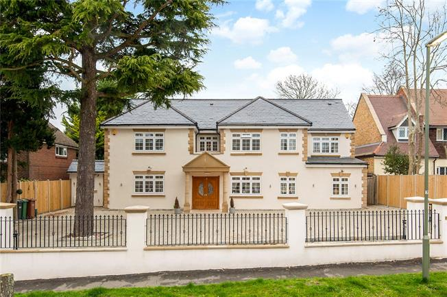 Asking Price £1,850,000, 6 Bedroom Detached House For Sale in Tadworth, KT20