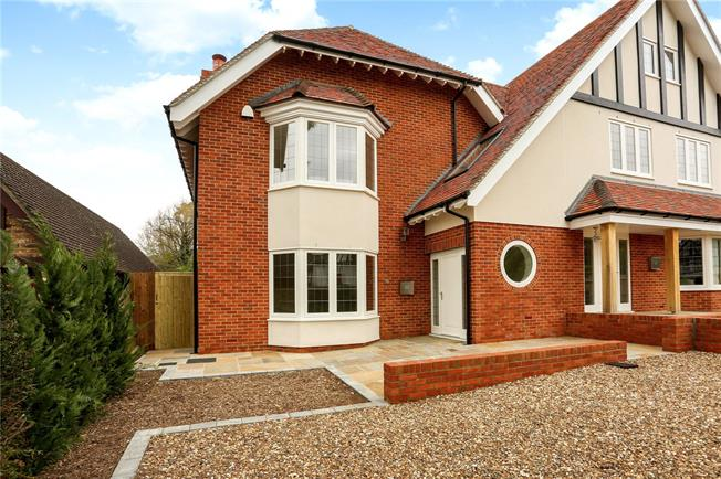 Asking Price £899,000, 4 Bedroom Semi Detached House For Sale in Surrey, KT21
