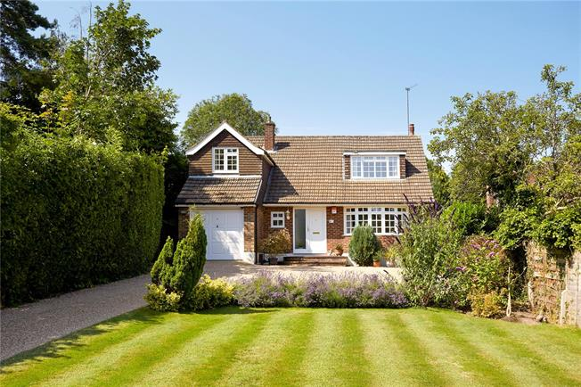 Offers in excess of £700,000, 3 Bedroom Detached House For Sale in Tadworth, KT20