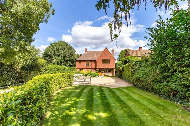 Asking Price £850,000, 4 Bedroom Detached House For Sale in Leatherhead, KT22