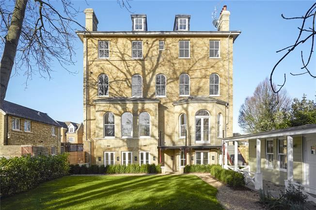 Asking Price £1,100,000, 2 Bedroom Flat For Sale in Twickenham, TW2