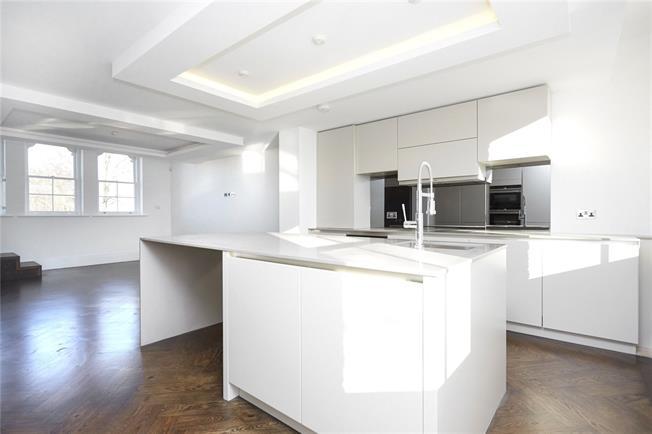 Asking Price £825,000, 2 Bedroom Flat For Sale in Twickenham, TW2