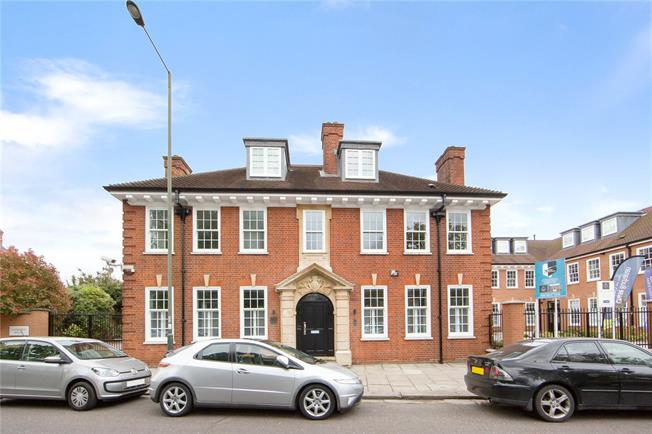 Asking Price £749,950, 3 Bedroom Semi Detached House For Sale in Hampton, TW12
