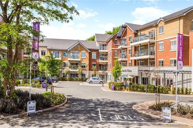 Asking Price £300,000, 1 Bedroom Flat For Sale in Weybridge, KT13