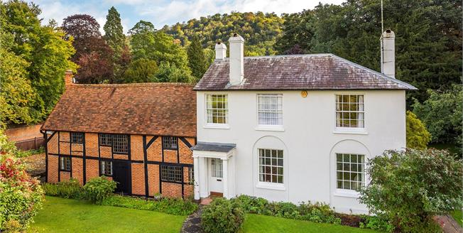 Guide Price £999,995, 4 Bedroom Detached House For Sale in Dorking, RH5