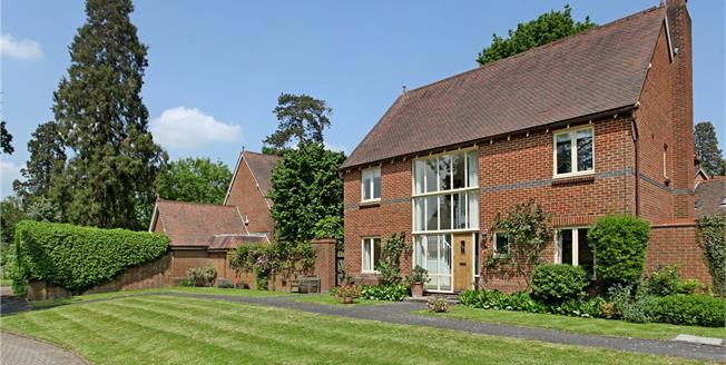 Guide Price £755,000, 4 Bedroom Detached House For Sale in Capel, Surrey, RH5