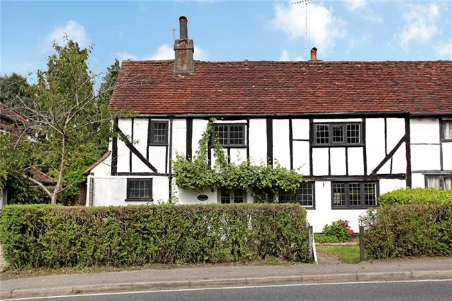 Guide Price £550,000, 3 Bedroom Semi Detached House For Sale in Ockley, RH5