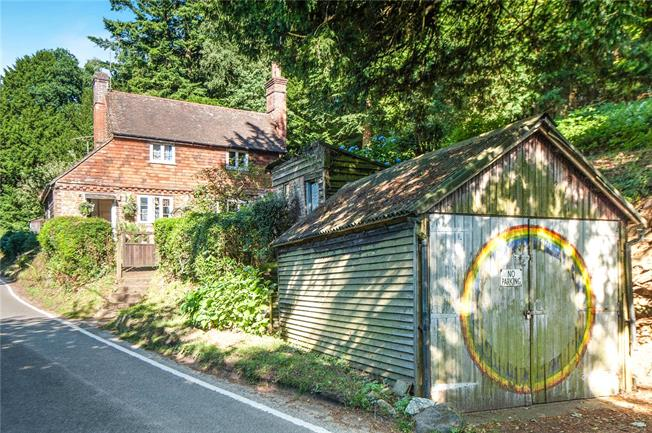 Guide Price £580,000, 2 Bedroom Semi Detached House For Sale in Coldharbour, RH5