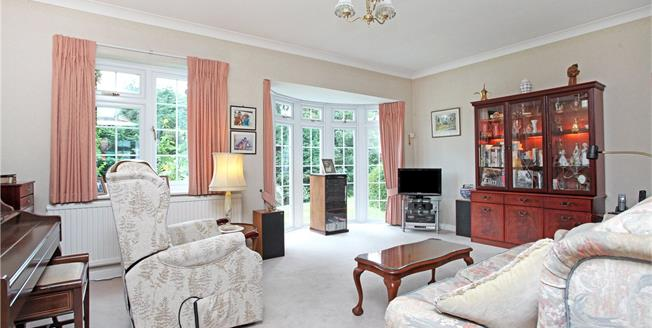 Guide Price £565,000, 3 Bedroom Terraced House For Sale in Dorking, Surrey, RH4