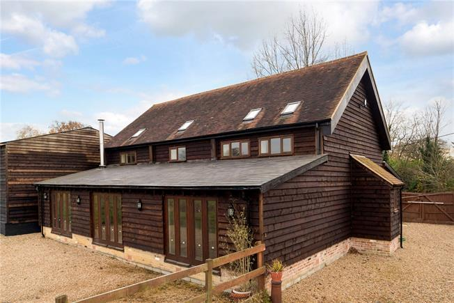 Guide Price £625,000, 4 Bedroom House For Sale in Dorking, Surrey, RH5