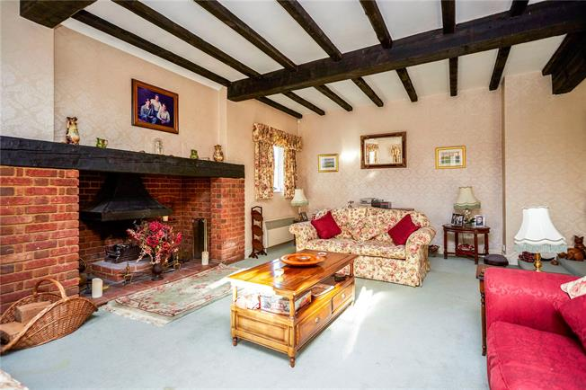 Guide Price £1,150,000, 4 Bedroom Detached House For Sale in Bookham, KT23