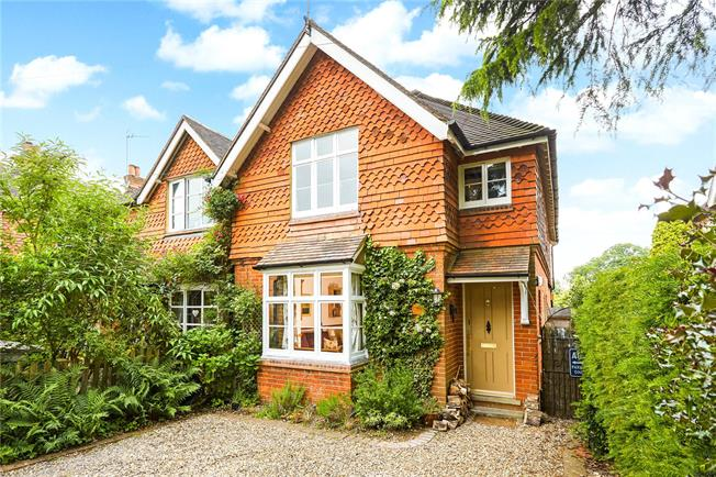 Guide Price £725,000, 4 Bedroom Semi Detached House For Sale in Dorking, Surrey, RH5