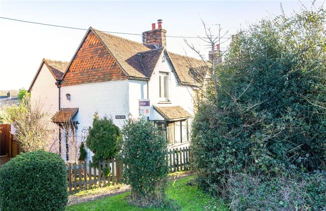 Guide Price £369,000, 2 Bedroom Semi Detached House For Sale in Dorking, Surrey, RH5