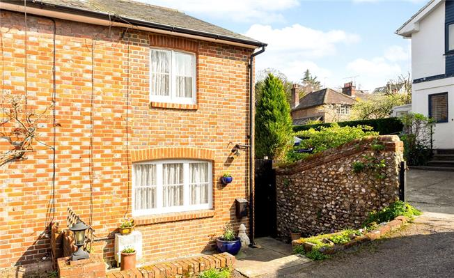 Guide Price £425,000, 2 Bedroom End of Terrace House For Sale in Westcott, RH4