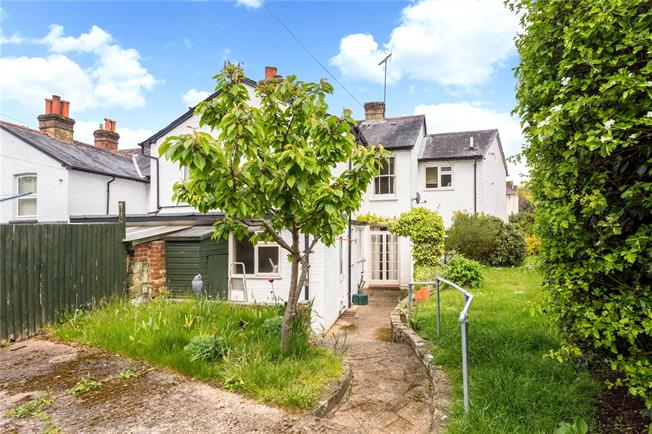 Guide Price £575,000, 4 Bedroom End of Terrace House For Sale in Dorking, RH4