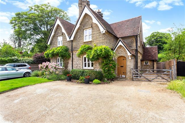 Guide Price £815,000, 4 Bedroom Semi Detached House For Sale in Dorking, Surrey, RH5