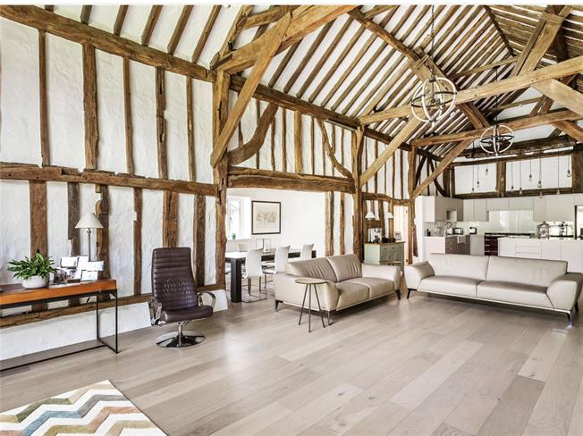 Guide Price £1,375,000, 5 Bedroom Detached House For Sale in Ockley, RH5