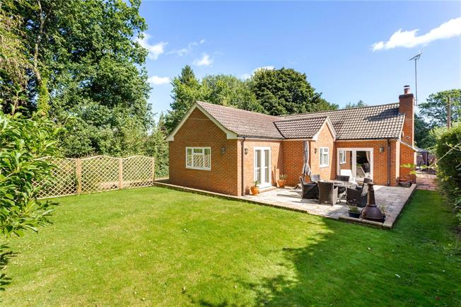 Guide Price £645,000, 4 Bedroom Bungalow For Sale in Surrey, KT20