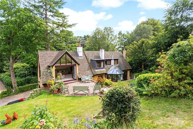 Guide Price £945,000, 3 Bedroom Detached House For Sale in Surrey, RH5