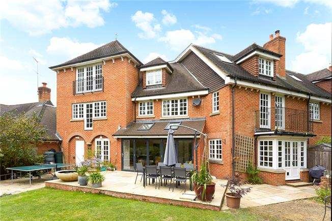 Guide Price £1,000,000, 5 Bedroom House For Sale in Westcott Street, Dorking, RH4