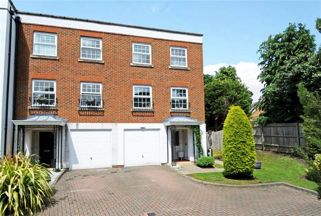 Guide Price £769,950, 4 Bedroom Semi Detached House For Sale in Esher, Surrey, KT10