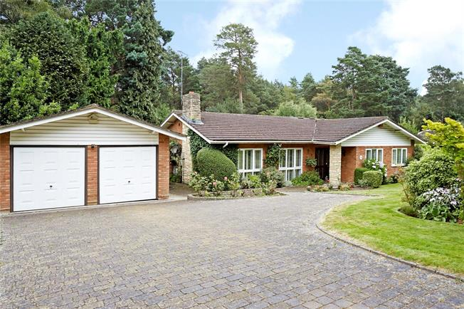 Guide Price £1,095,000, 3 Bedroom Bungalow For Sale in Cobham, KT11