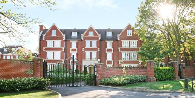 Guide Price £1,200,000, 2 Bedroom Flat For Sale in Esher, Surrey, KT10