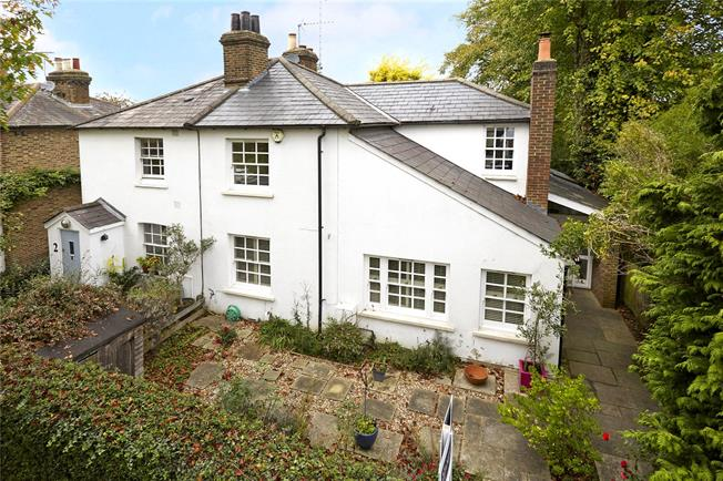 Asking Price £1,250,000, 4 Bedroom Semi Detached House For Sale in Surrey, KT10