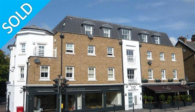 Offers in excess of £500,000, 2 Bedroom Flat For Sale in Surrey, KT10
