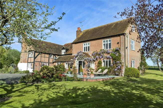 Guide Price £2,250,000, 6 Bedroom Detached House For Sale in Ockham, GU23