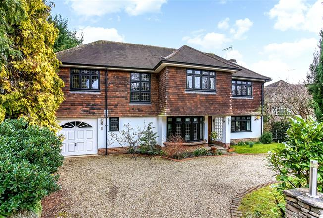 Guide Price £1,695,000, 4 Bedroom Detached House For Sale in Surrey, KT10