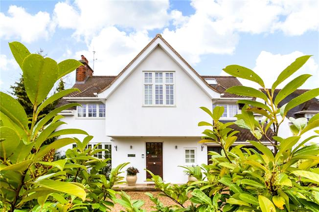 Asking Price £2,500,000, 6 Bedroom Detached House For Sale in Surrey, KT10