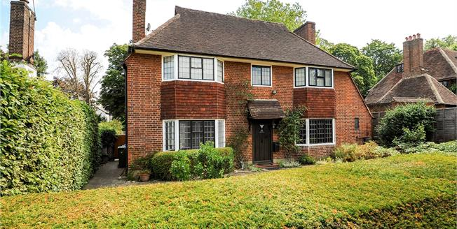 Guide Price £1,400,000, 3 Bedroom Detached House For Sale in Surrey, KT10
