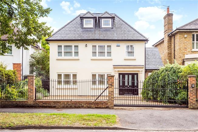 Asking Price £2,275,000, 5 Bedroom Detached House For Sale in East Molesey, KT8