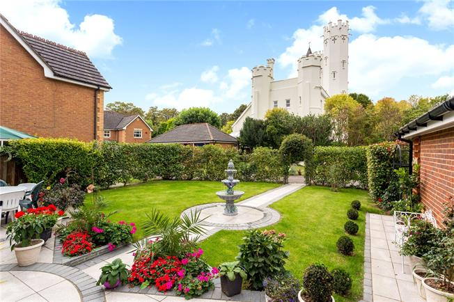 Asking Price £1,140,000, 4 Bedroom Detached House For Sale in Claygate, KT10