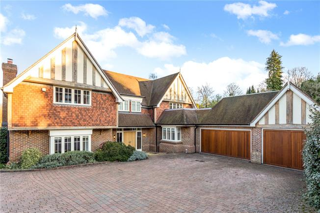 Guide Price £2,000,000, 5 Bedroom Detached House For Sale in Esher, Surrey, KT10
