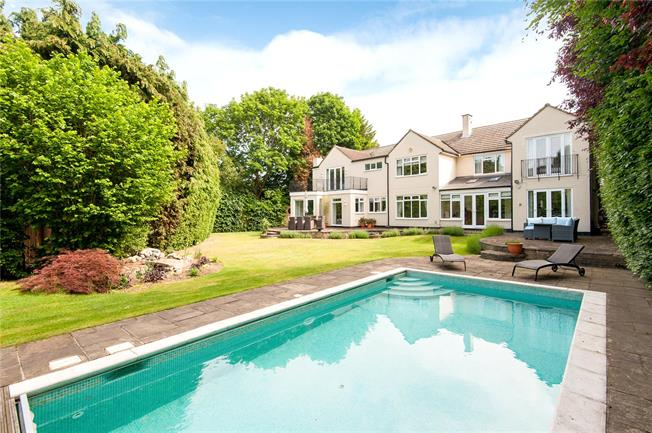 Asking Price £1,895,000, 6 Bedroom Detached House For Sale in Esher, KT10