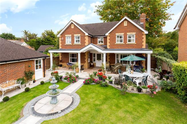 Offers in excess of £1,100,000, 4 Bedroom Detached House For Sale in Claygate, KT10
