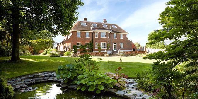 Asking Price £3,150,000, 5 Bedroom Detached House For Sale in Oxshott, KT22