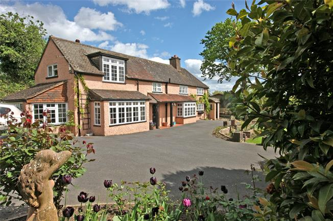 Guide Price £650,000, 3 Bedroom Detached House For Sale in Farnham, GU9